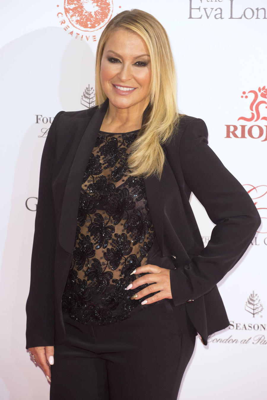 Anastacia Postpones More Shows To Rest Voice