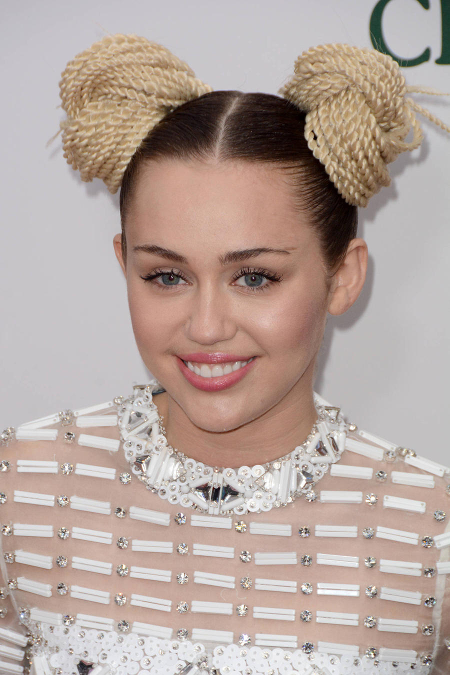 Hunter Targeted By Miley Cyrus 'Receiving Death Threats'