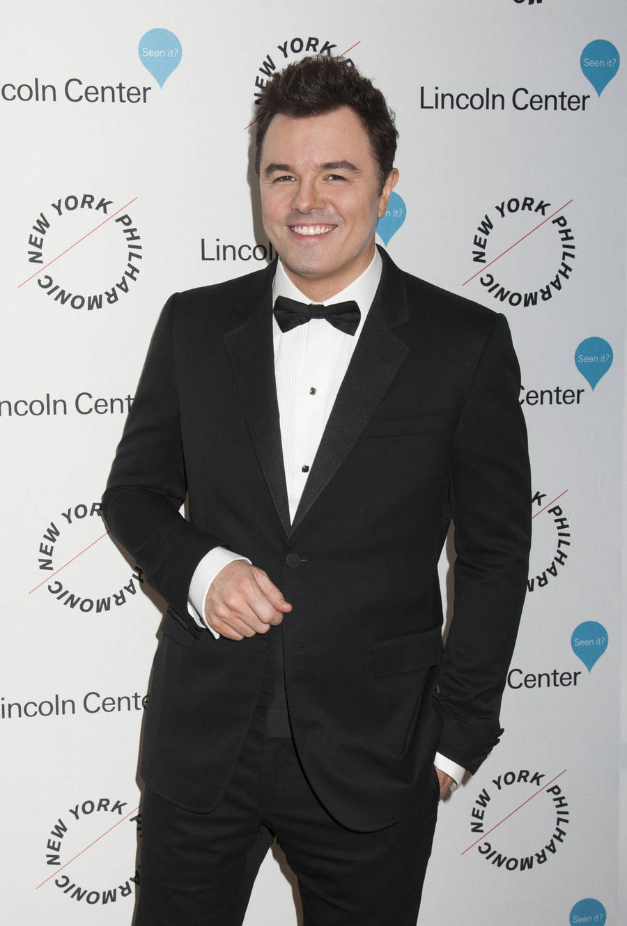 Seth Macfarlane Nursing Burn Injury Ahead Of Grammys