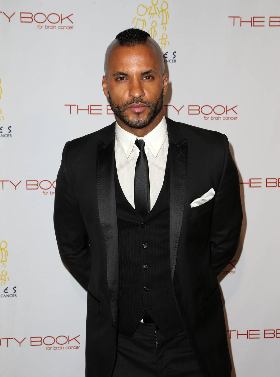Ricky Whittle Accuses The 100 Producer Of Bullying