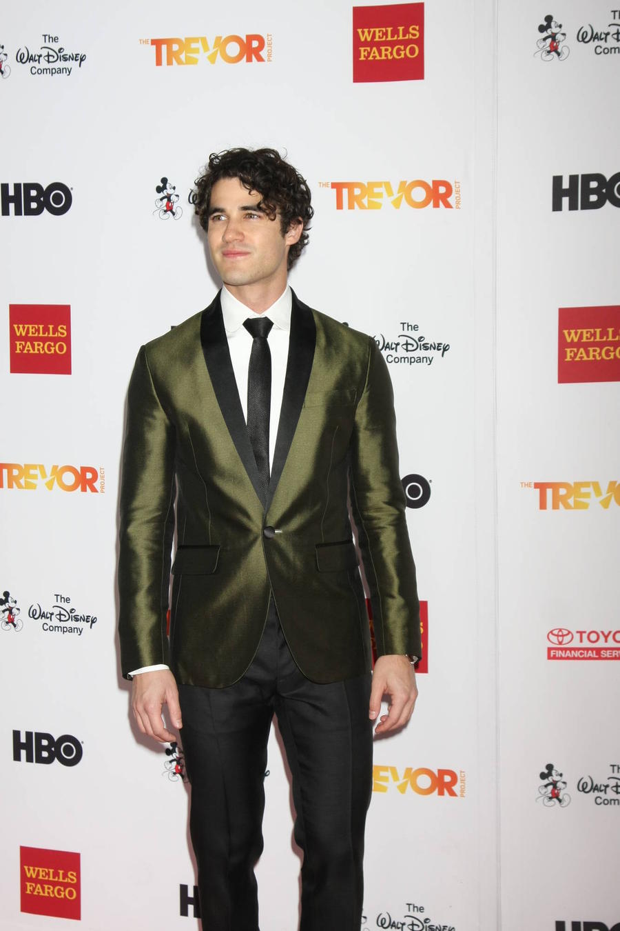 Darren Criss Leads Tributes To Star Wars' Erik Bauersfeld