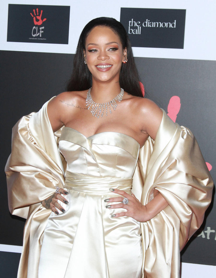 Rihanna's New Ink Dedicated To Drake - Report