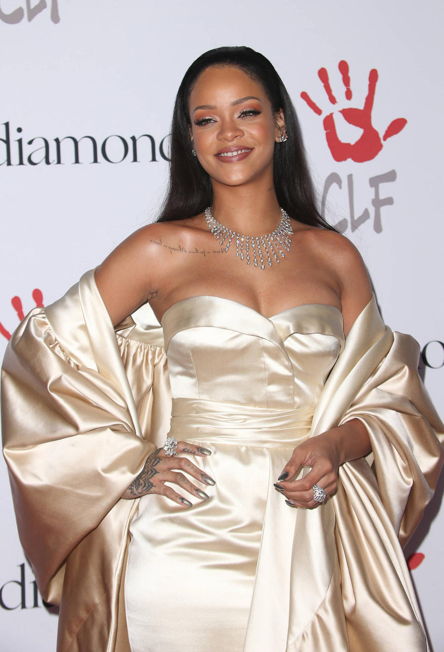 Rihanna Wants Fans To Work For Global Scholarship Programme