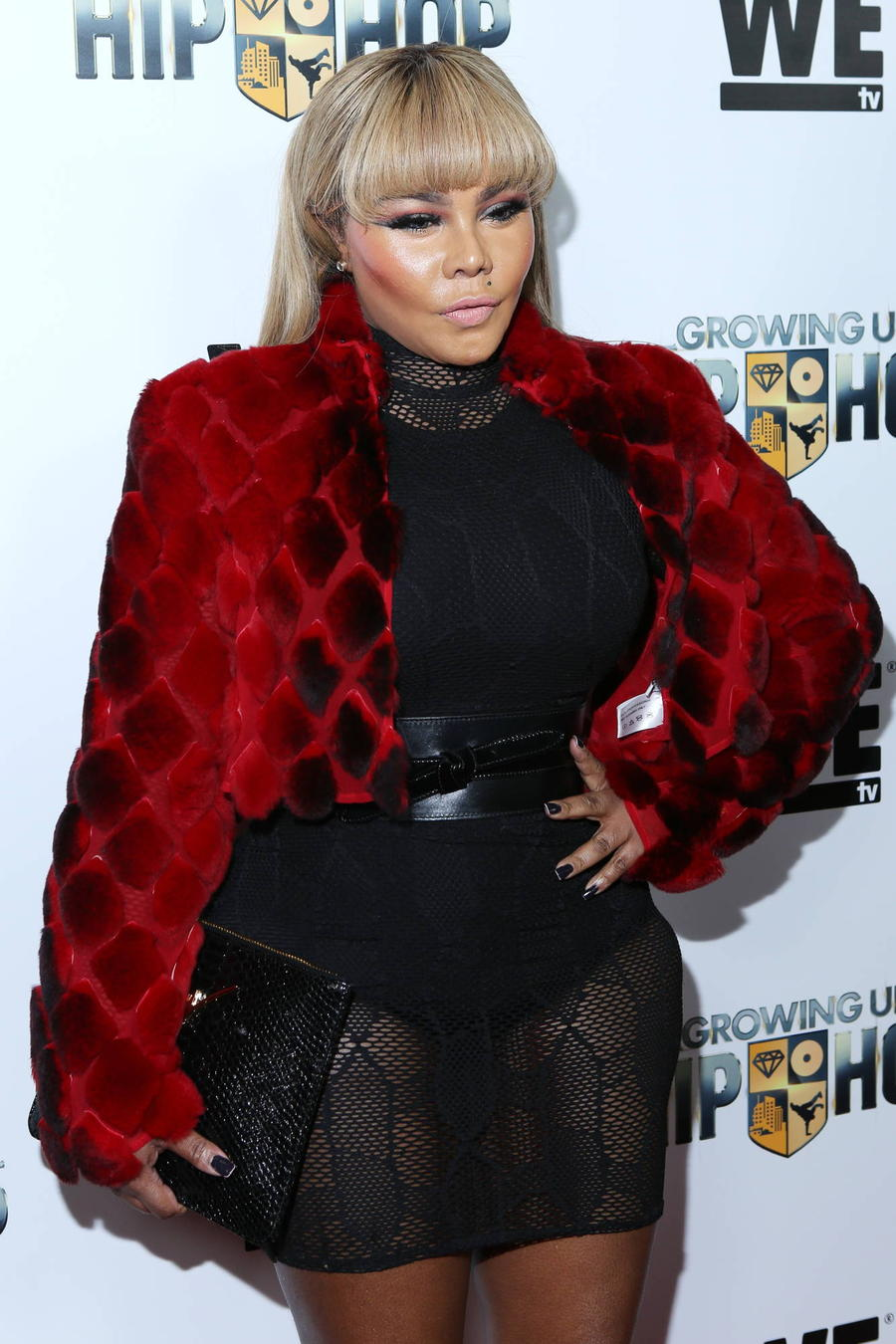 Lil' Kim Attacks Bloggers Over Fake Photo