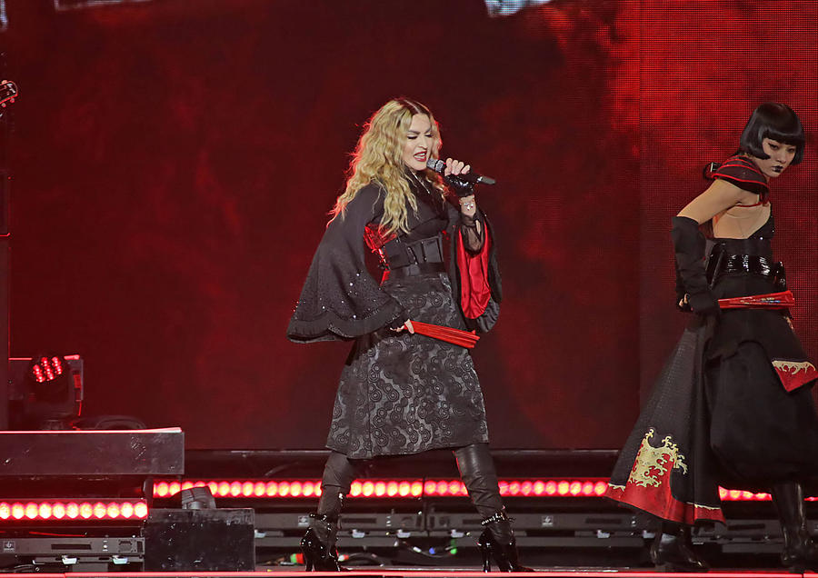 Madonna Enrages Fans With Another Late Concert Appearance