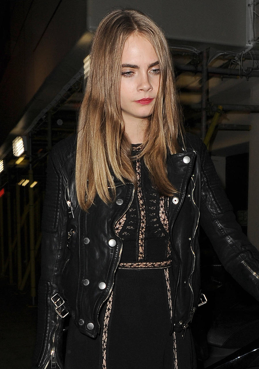 Cara Delevingne Almost Chopped Off Her Finger With Dad's Razor