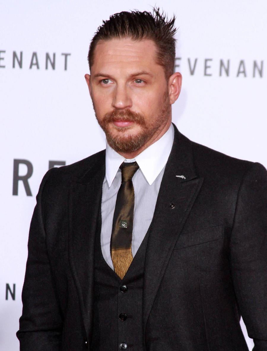 Tom Hardy Strips Nude For Lake Swim