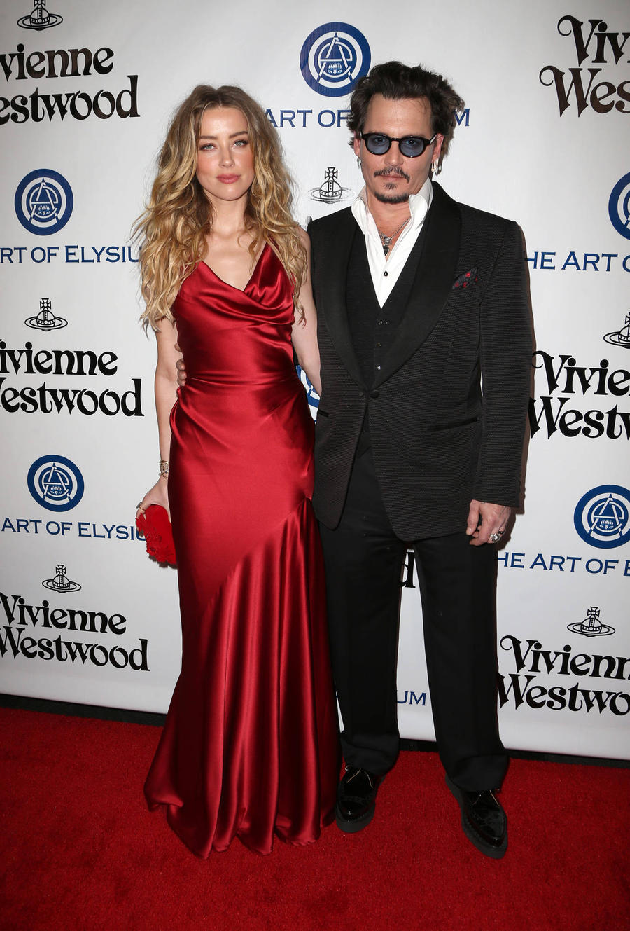 Shocking Video Of Johnny Depp Smashing Wine Bottle In Front Of Amber Heard Leaked