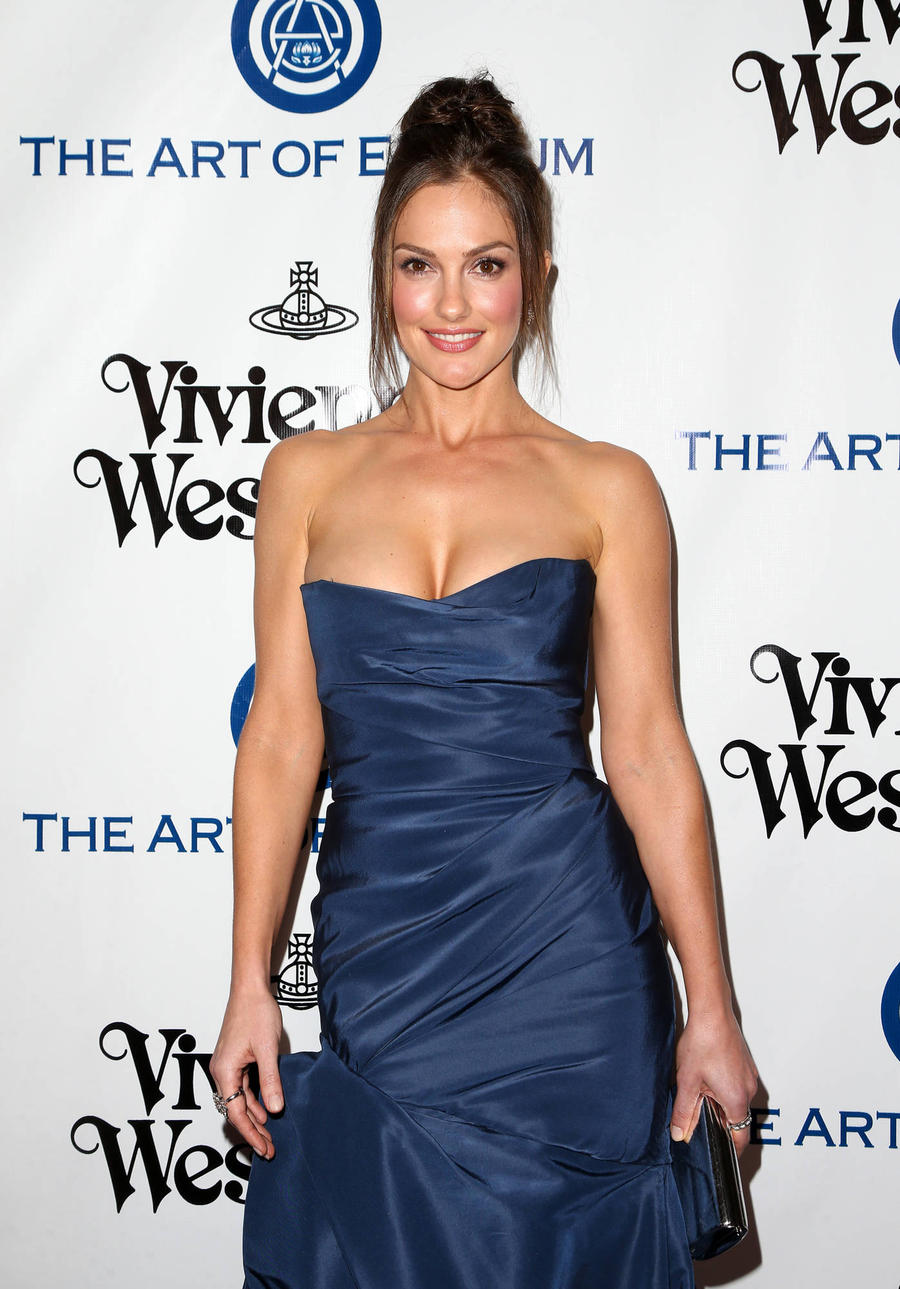 Minka Kelly Cooking Up Food Show With Blogger