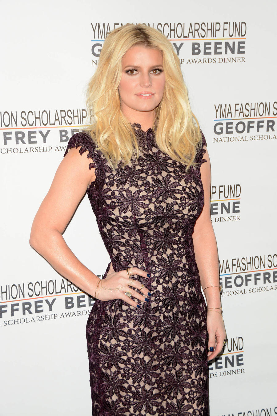Jessica Simpson Lost Fashion Trunk Before Shoot