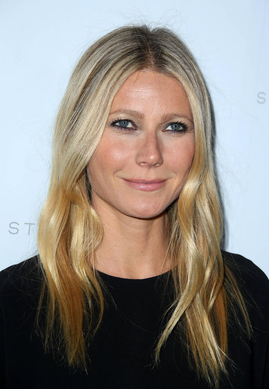 Gwyneth Paltrow: 'I Have Sleepovers With Chris Martin'