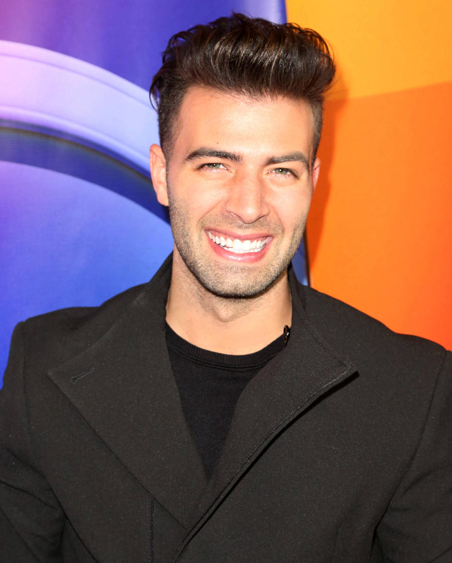 Jencarlos Canela Cast As Jesus Christ In The Passion Telecast