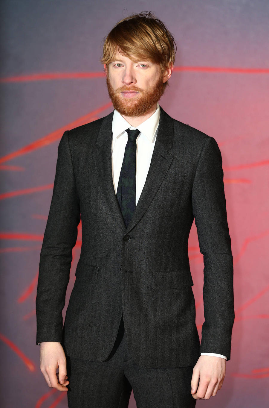 Domhnall Gleeson And Sienna Miller Cast In Burberry's Holiday Film