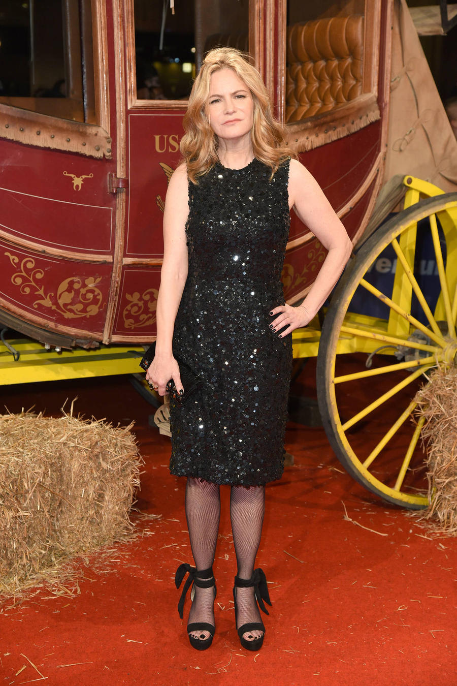 Jennifer Jason Leigh Quit Acting Before The Hateful Eight