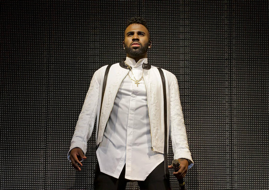 Jason Derulo And K. Michelle Get Naked For Saucy New Video
