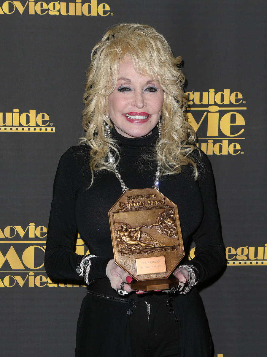 Dolly Parton & Emmylou Harris Hoping To Continue Working With Linda Ronstadt