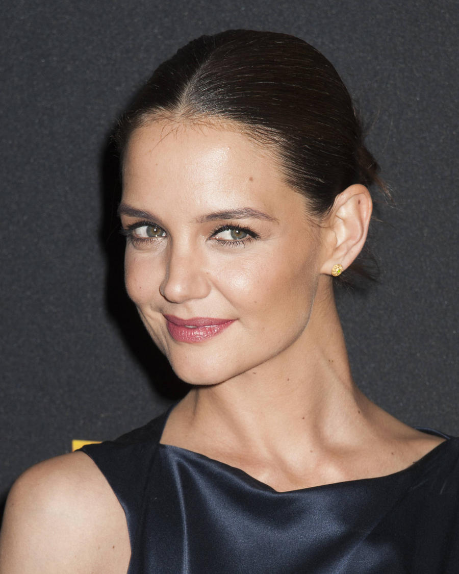 Katie Holmes Dismisses Dawson's Creek Remake