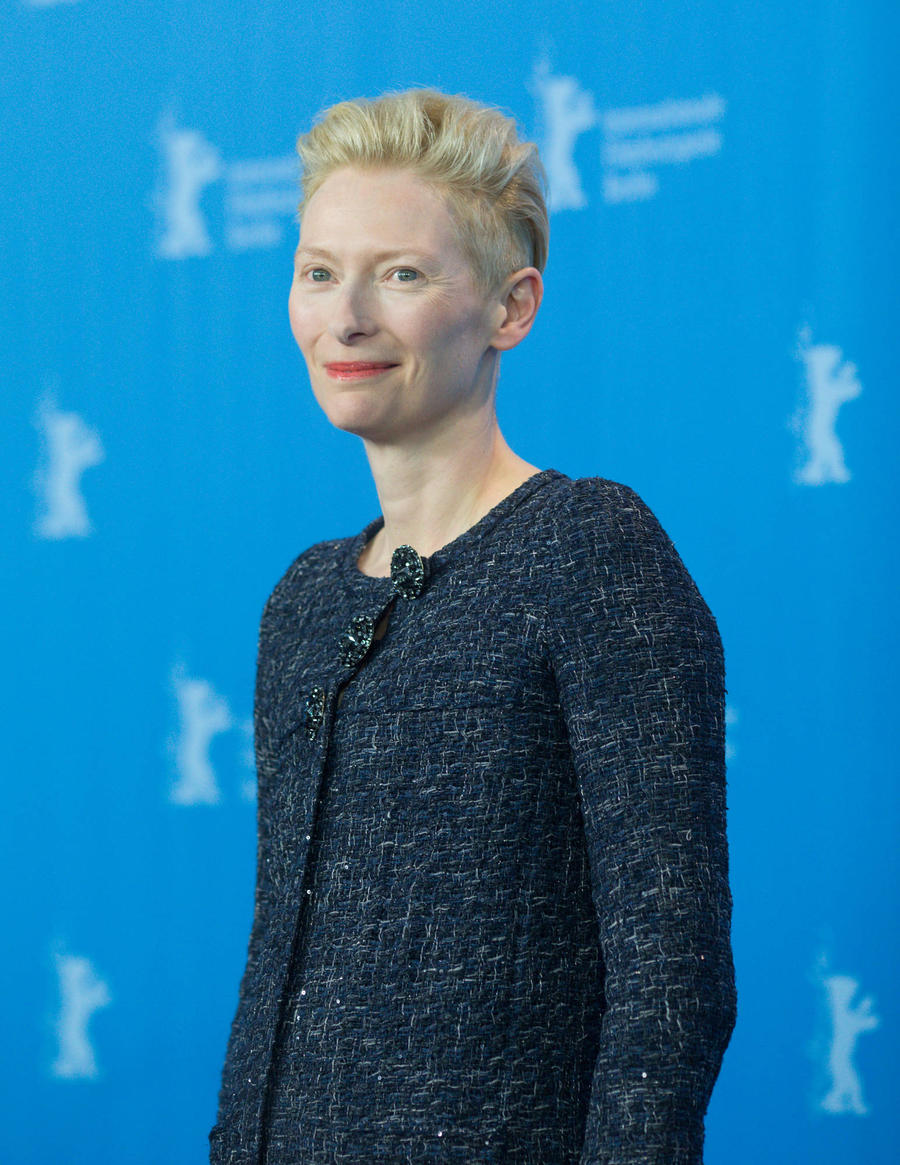 Tilda Swinton To Accept David Bowie's Cfda Honour