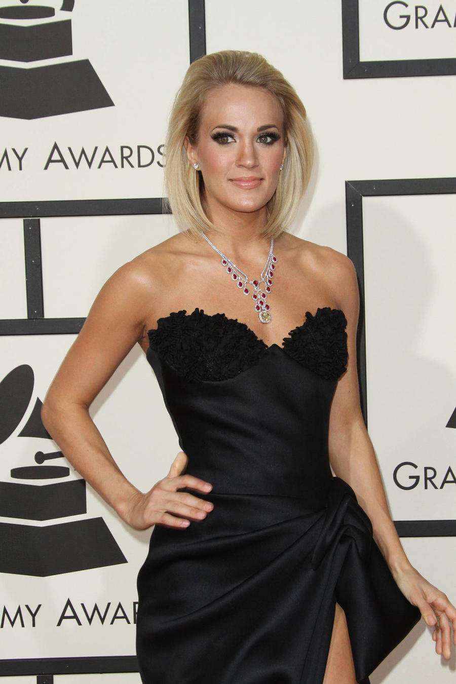 Carrie Underwood Flaunts Valentine's Day Jewellery On Grammys Red Carpet