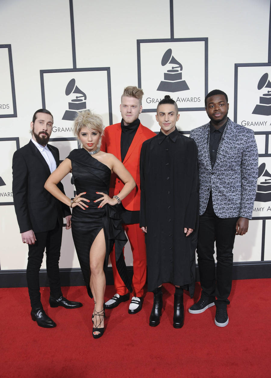 Pentatonix Take Holiday Album To The Top Of The U.s. Charts