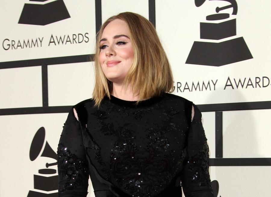 Adele Back On Top In U.s. Despite Grammys Gaffe