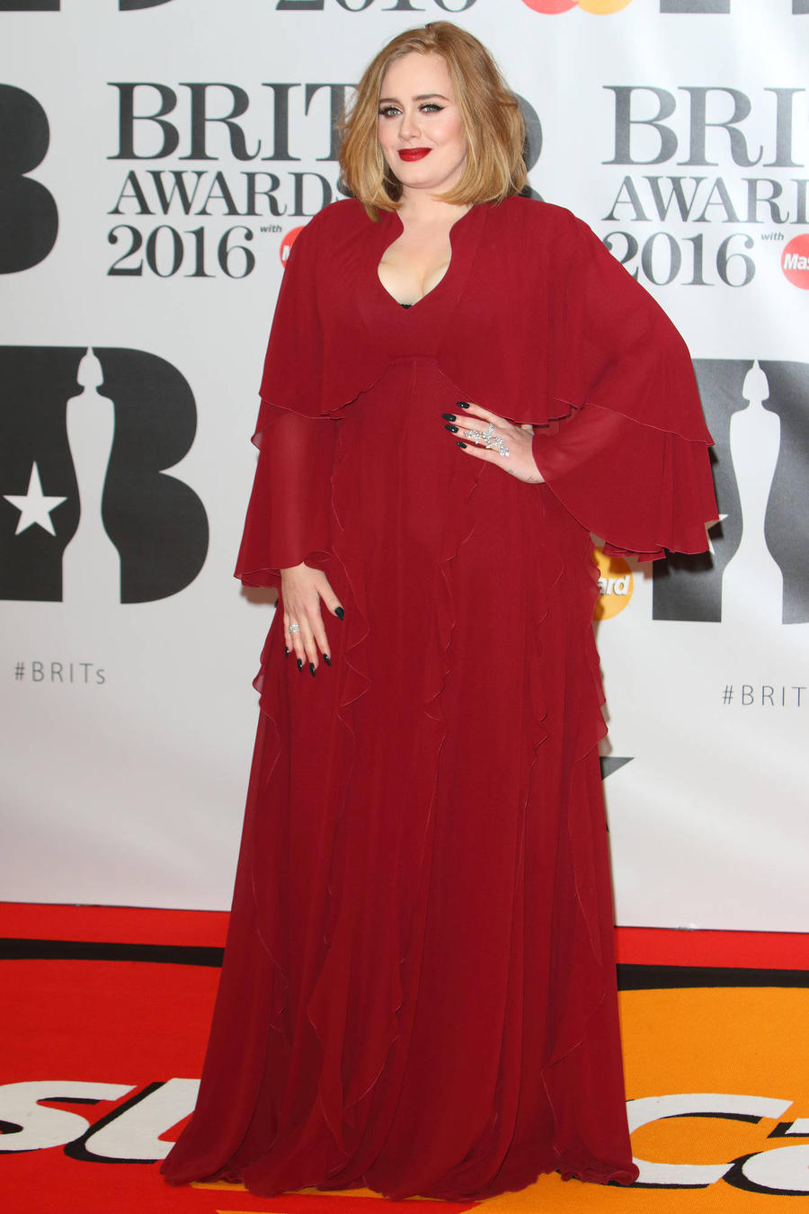 Adele Stops Gig To Rage About Breastfeeding Pressures