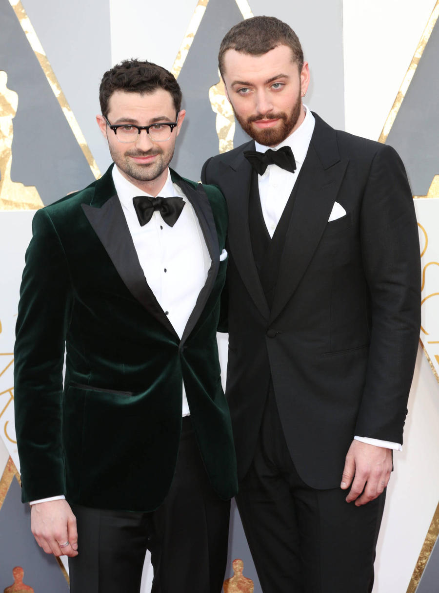 Sam Smith Dedicates First Oscar To Lgbt Community