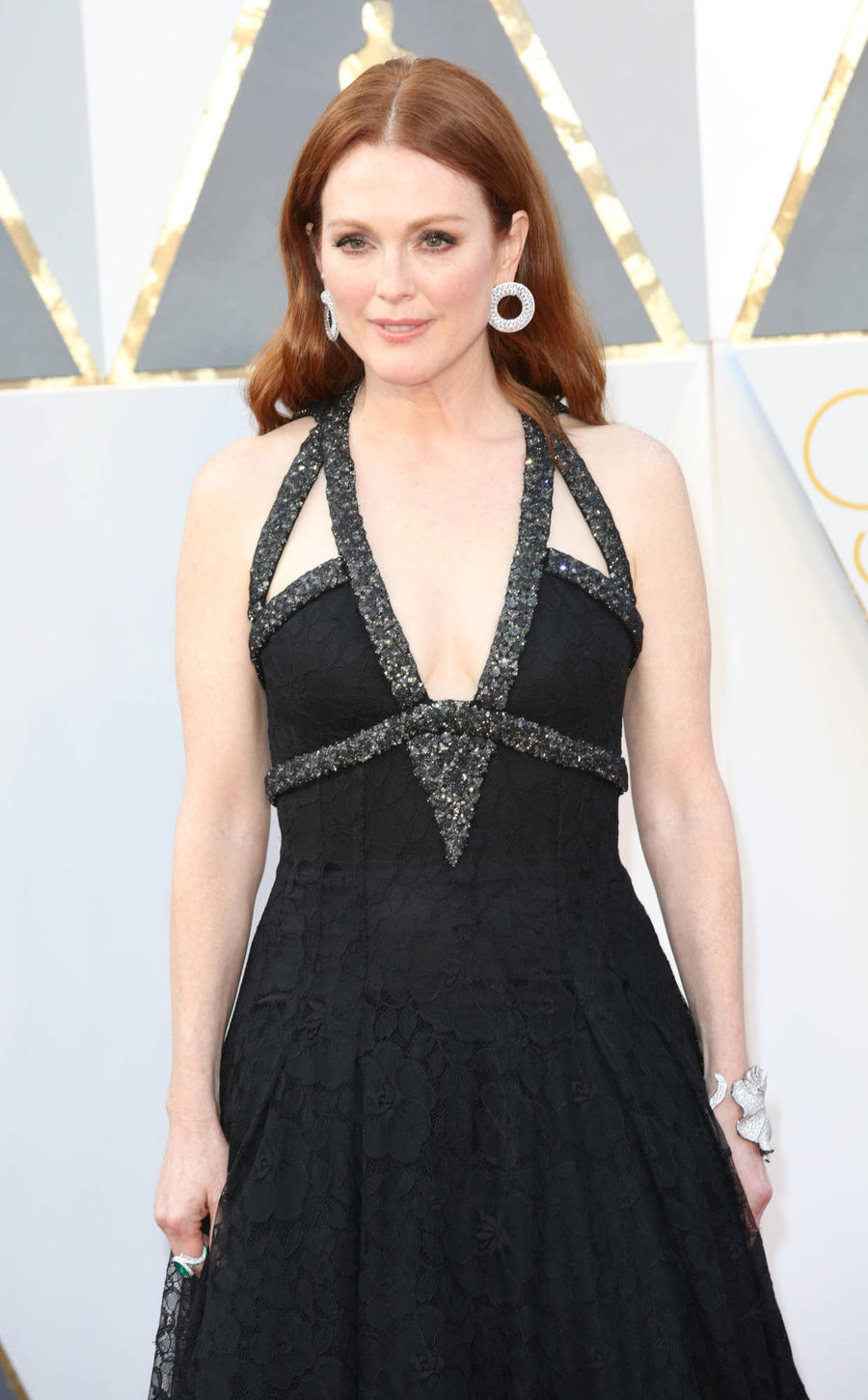 Julianne Moore Joins Gun Violence Protest