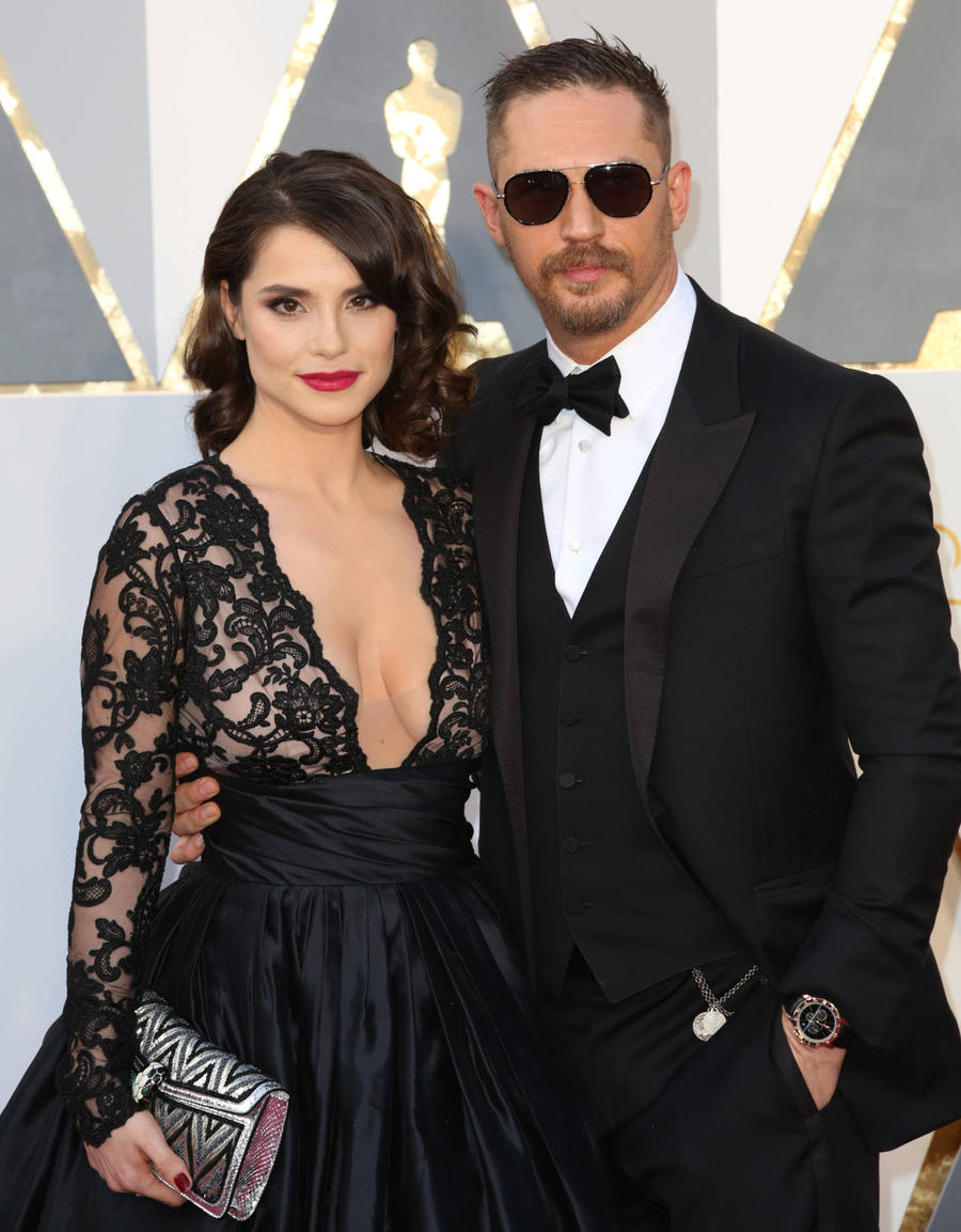 Tom Hardy's Wife Breast Pumping At Oscars