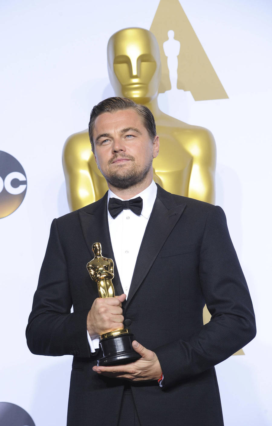 Leonardo Dicaprio 'Overwhelmed' By Fans' Oscars Support