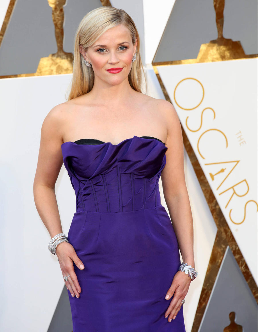 Reese Witherspoon Urges Fans To Sign Equal Rights Petition