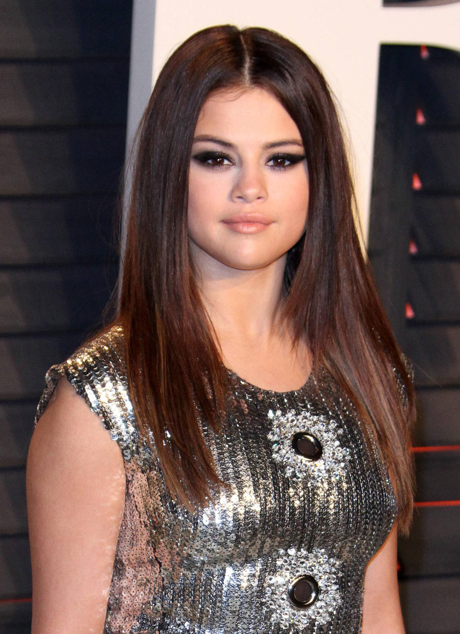 Selena Gomez Donating Ticket Proceeds To Lupus Organisation