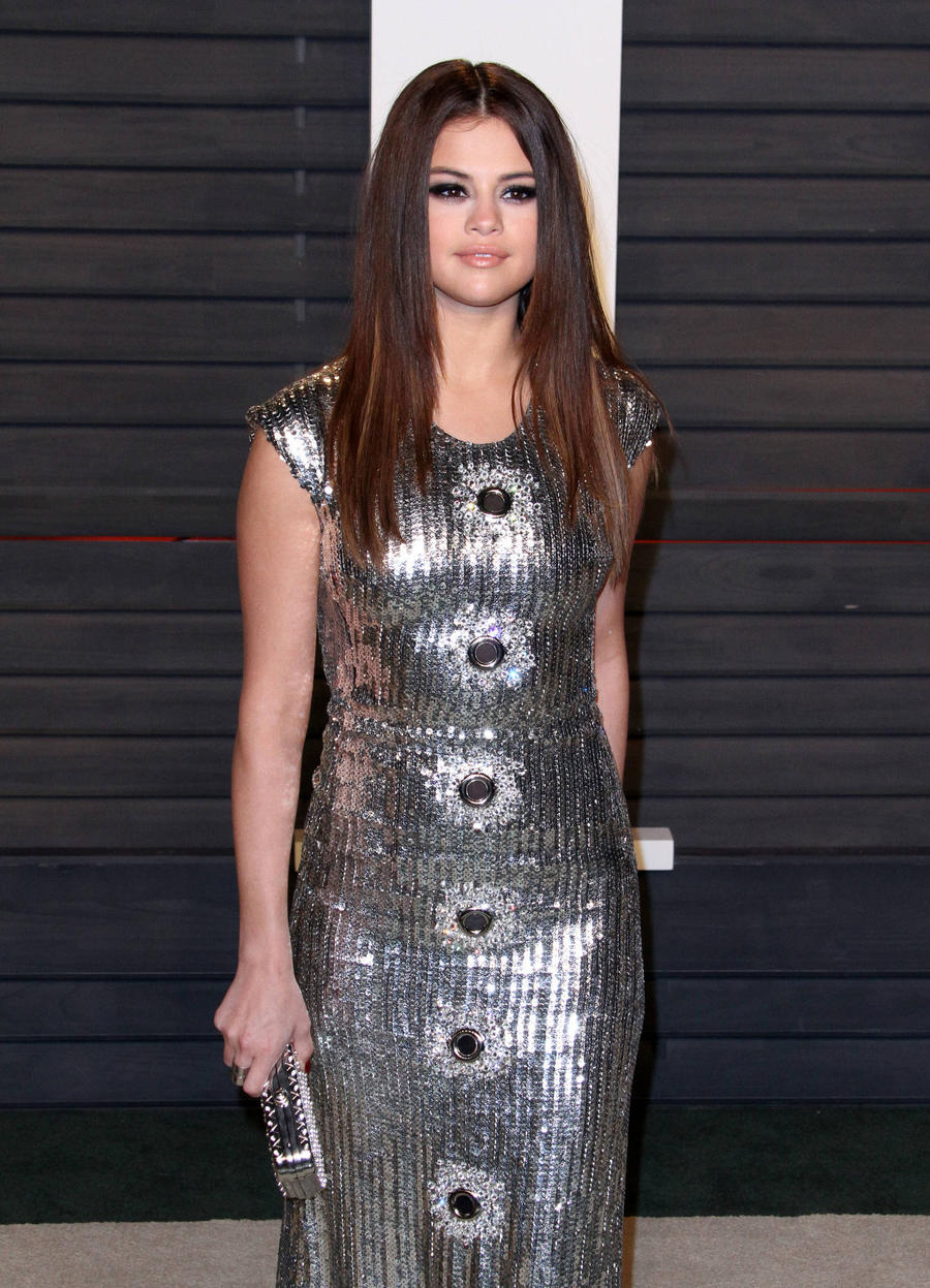 Selena Gomez Voices Disappointment In Showbiz Amid Taylor Swift Drama