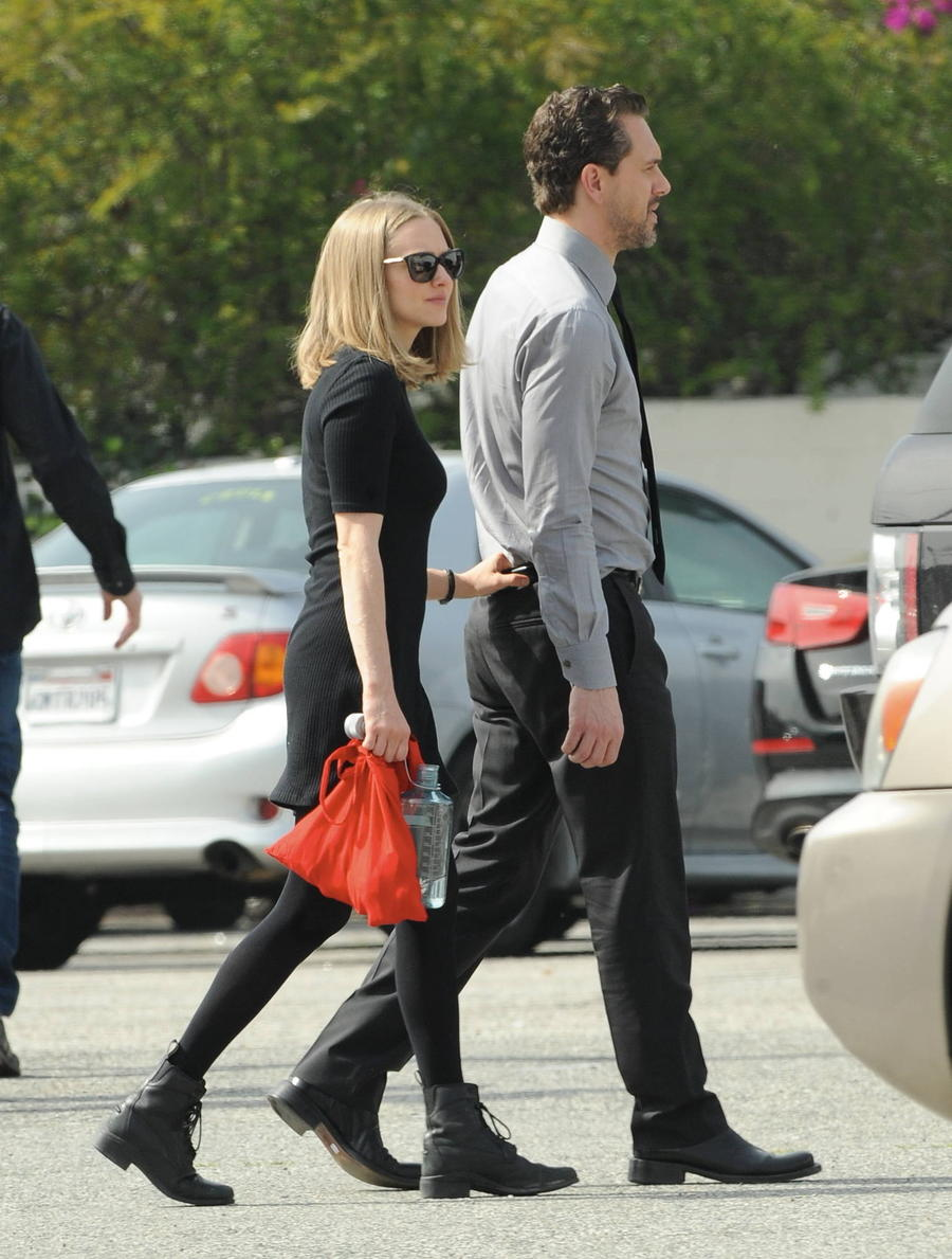 Amanda Seyfried Can't Keep Her Hands Off New Man