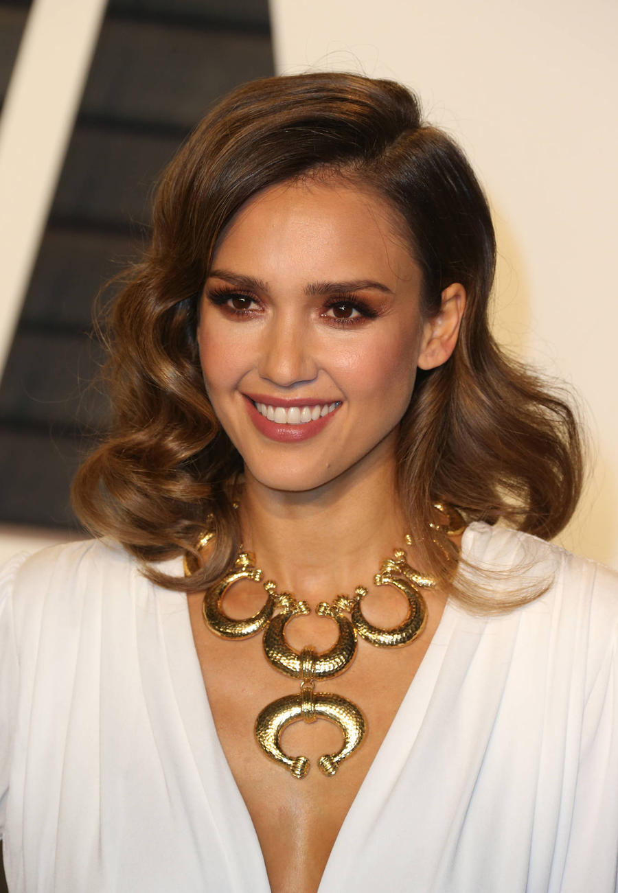 Jessica Alba Defends Laundry Product Claims
