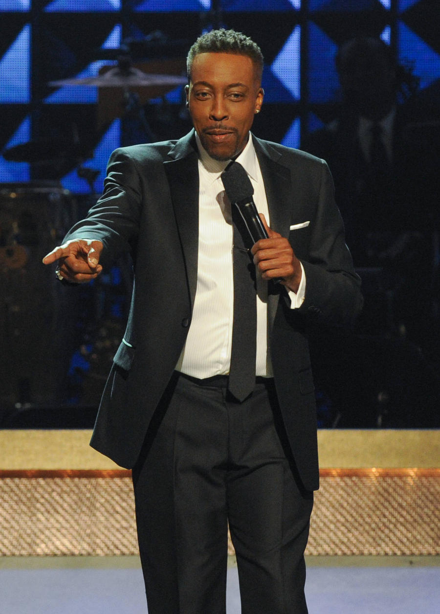 Sinead O'connor Apologises For Arsenio Hall Drug Accusations