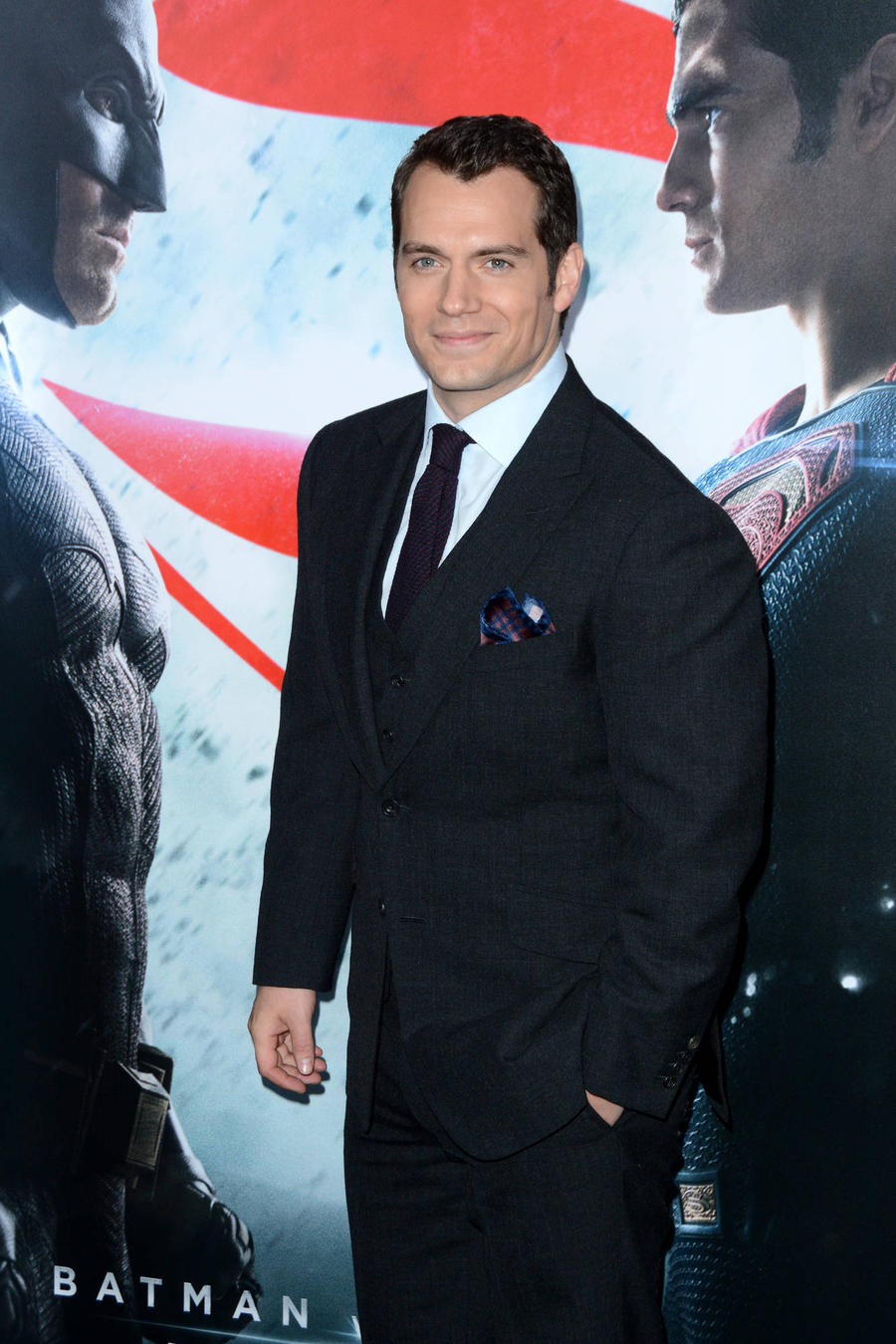 Henry Cavill Leads Batman V Superman Stars In Defence Of Film