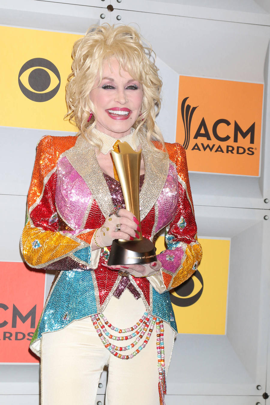 Dolly Parton Threatened To Shoot A Man Who Once Mistook Her For A Prostitute