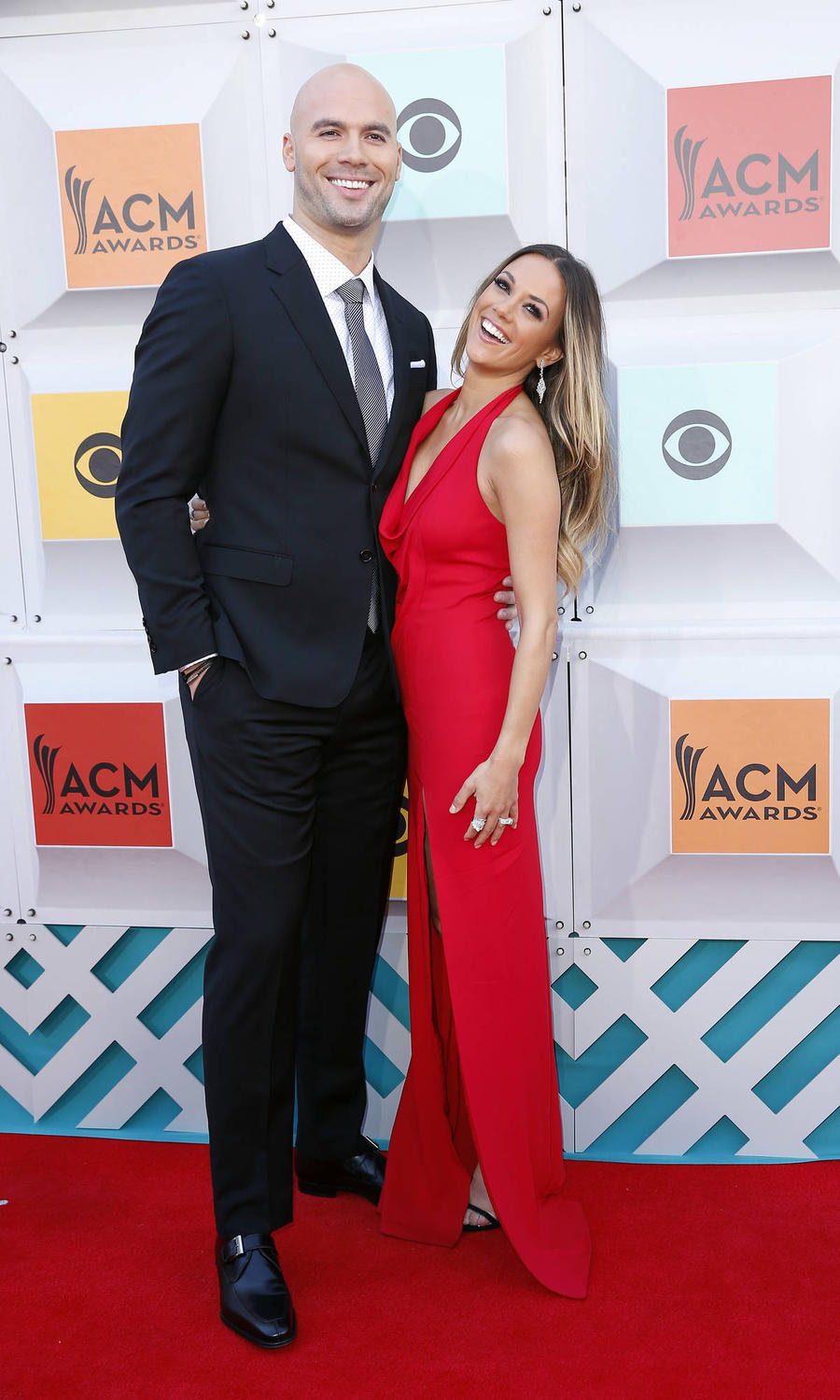 Jana Kramer's Estranged Husband Is 'Deeply Sorry' For Hurting Her