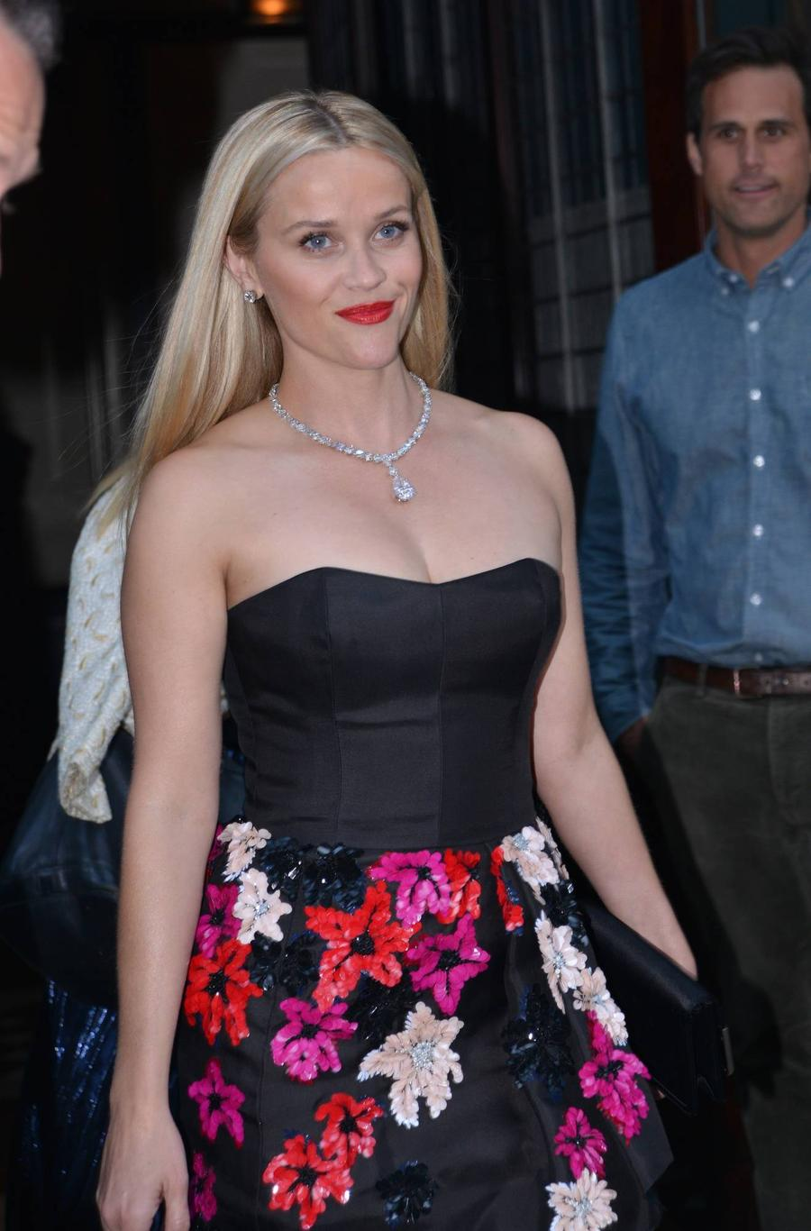 Reese Witherspoon In Talks To Join A Wrinkle In Time