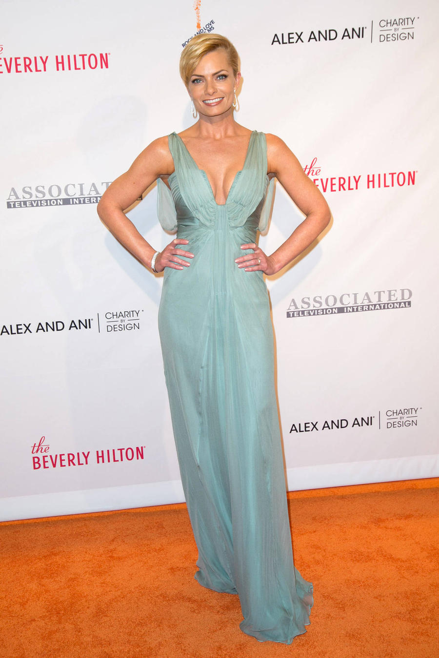 Jaime Pressly's Home Burgled - Report