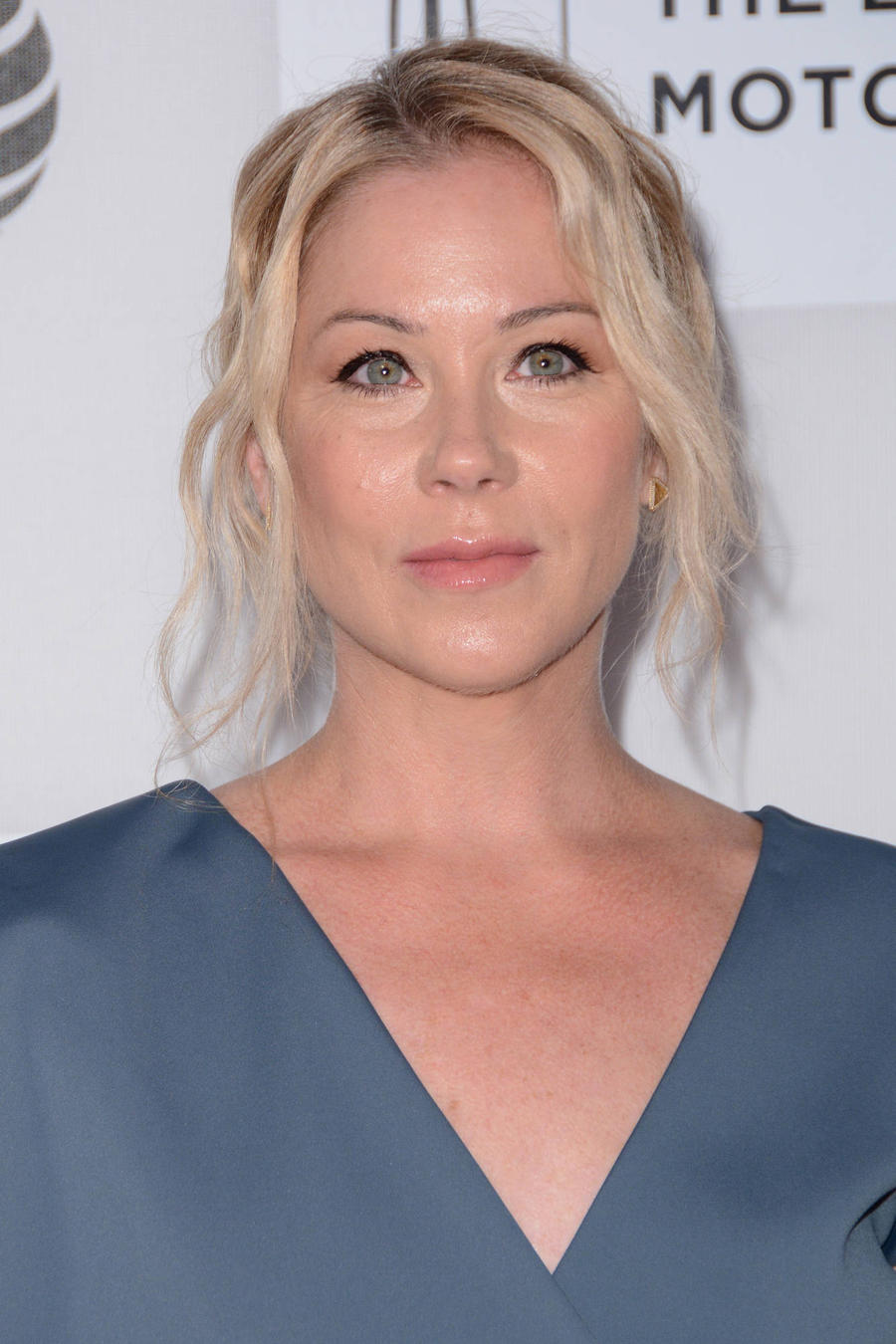 Christina Applegate Struggling With Sleep Disorder