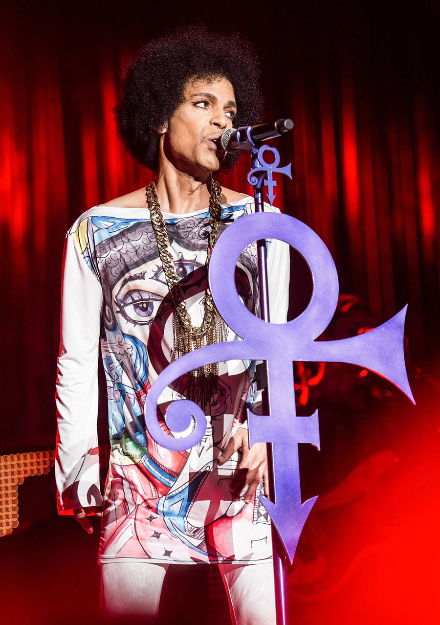 Prince Guitar Going Up For Auction
