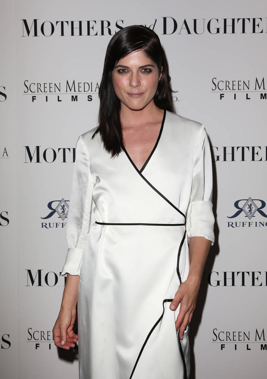 Selma Blair 'Very Sorry' About Plane Meltdown