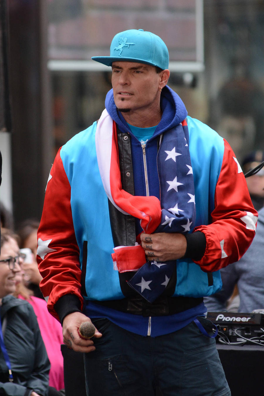 Vanilla Ice Apologises For Foulmouthed Rant After Missing Plane