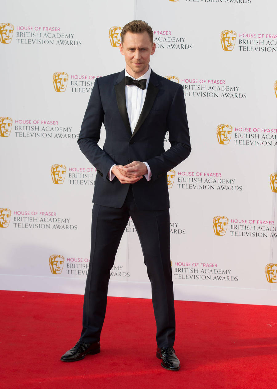 Tom Hiddleston Busts A Move At Tv Baftas Bash
