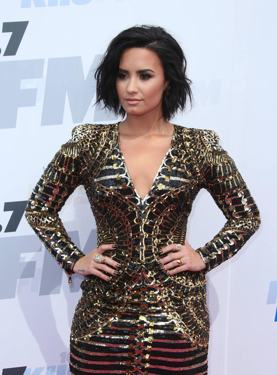 Demi Lovato Criticises Mariah Carey For 'Dissing People'