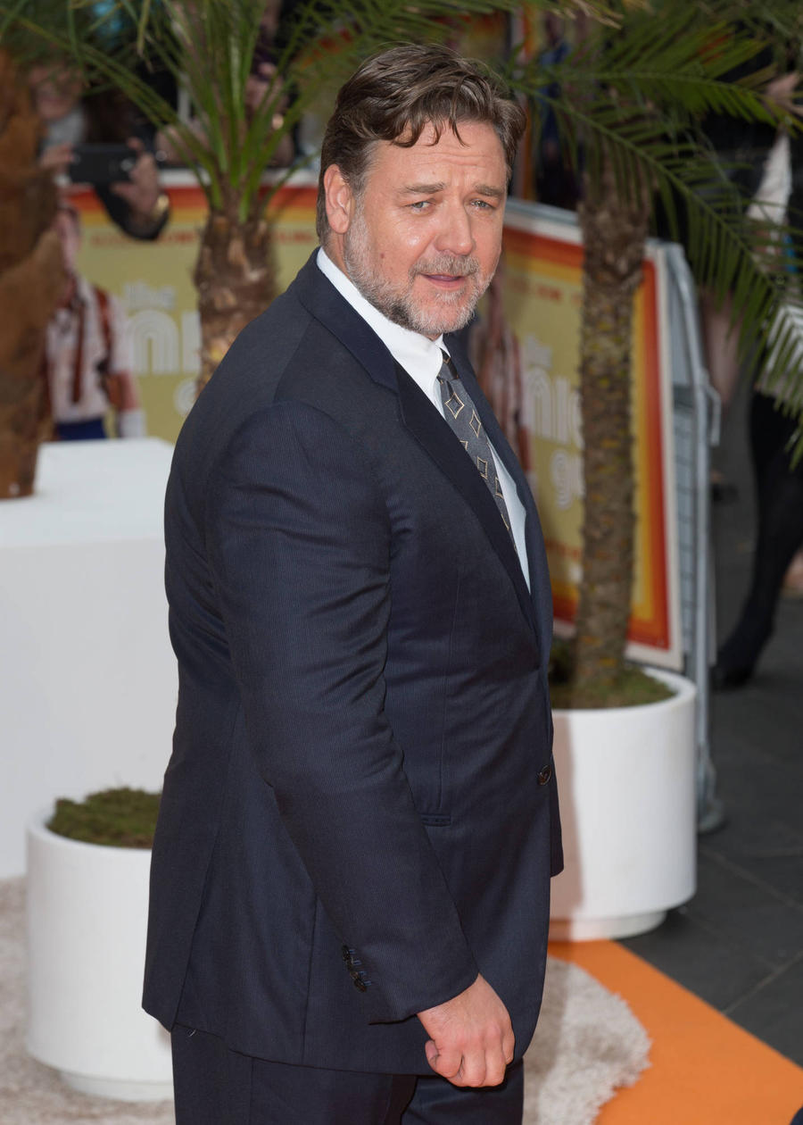 Russell Crowe Maps Out His Injuries From Years Of Stunts