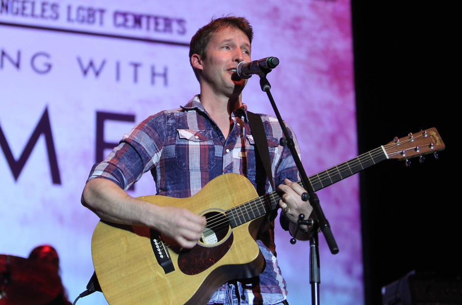 James Blunt Announces Details Of Fifth Album From His Bathtub