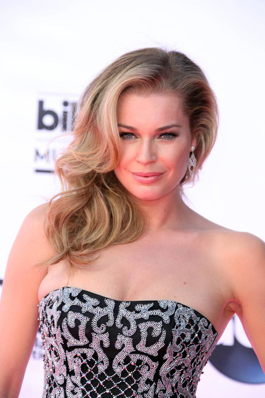 Rebecca Romijn Backs Down On 'Supermodel' Remarks Again